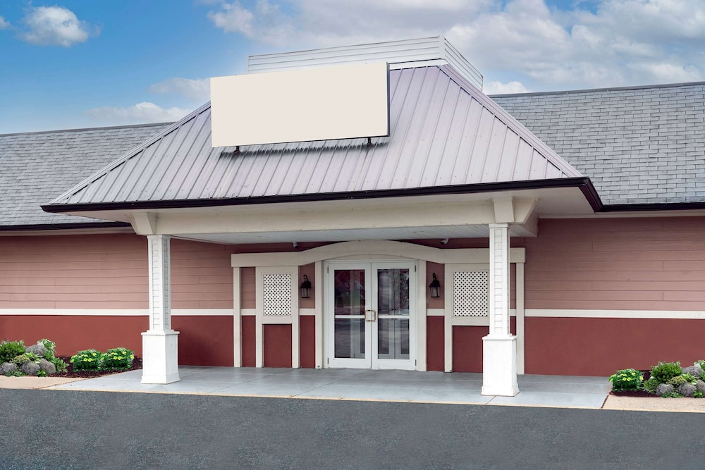Exterior, Ramada by Wyndham Indianapolis Speedway