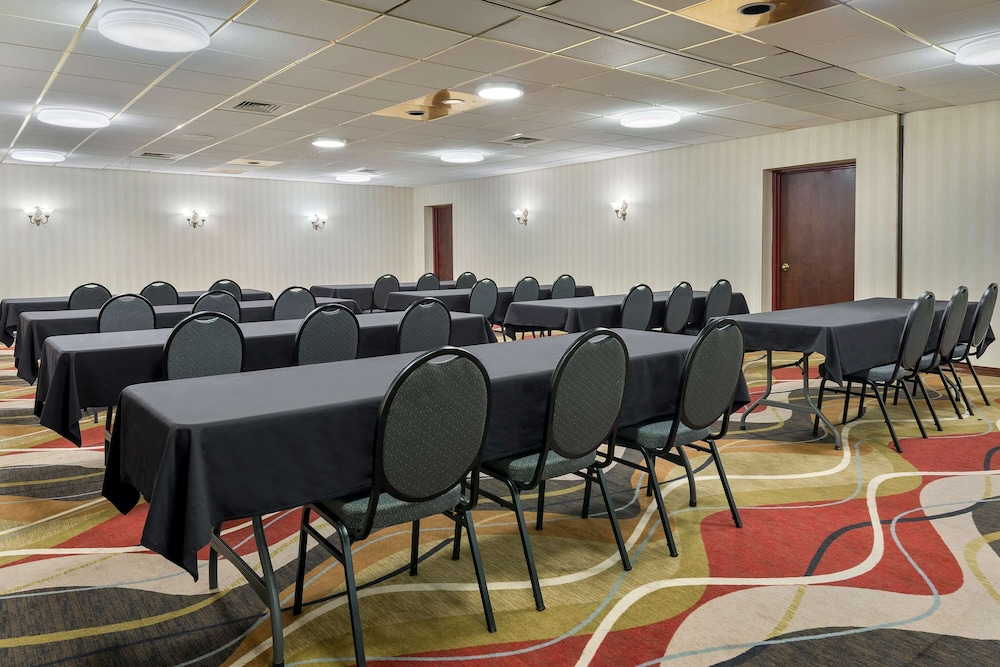Meeting Facility, Ramada by Wyndham Indianapolis Speedway