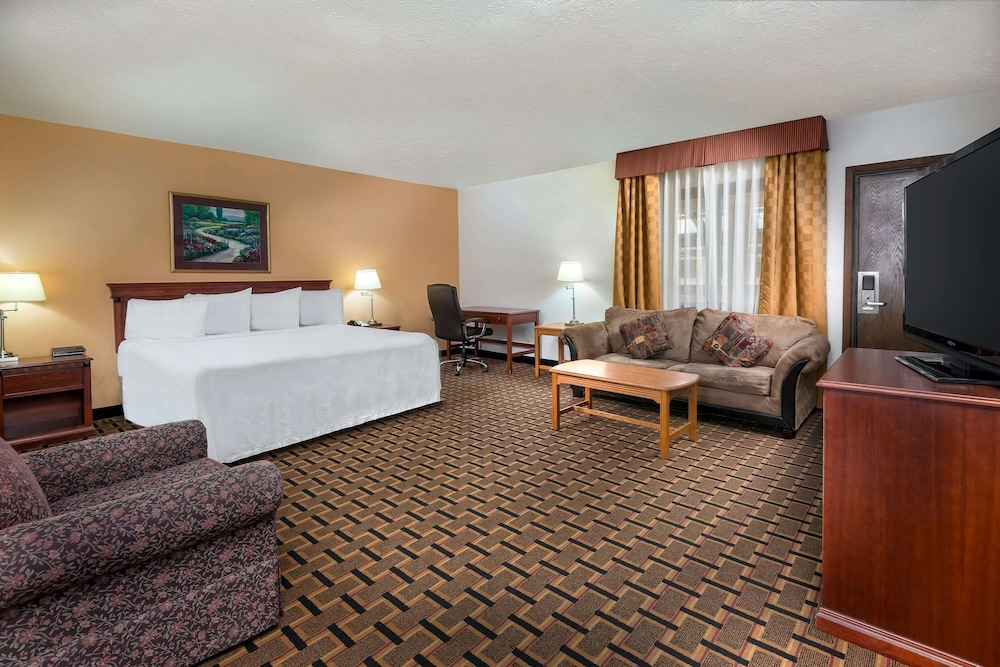Room, Ramada by Wyndham Indianapolis Speedway