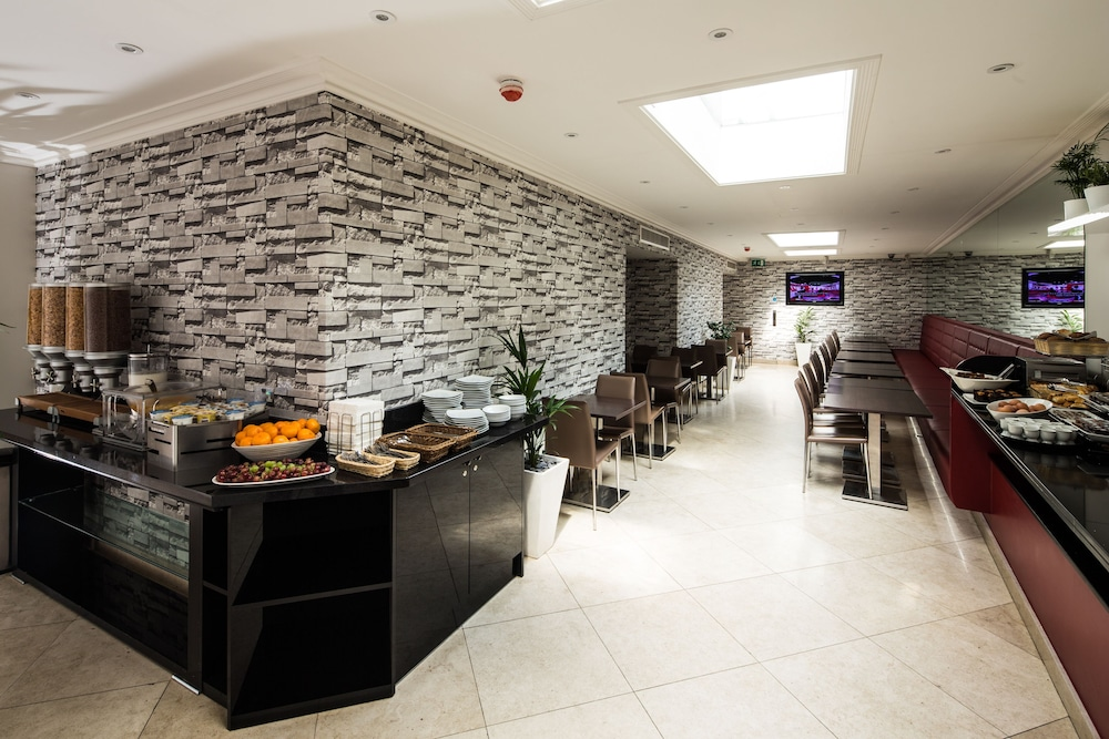 Breakfast Area, London House Hotel