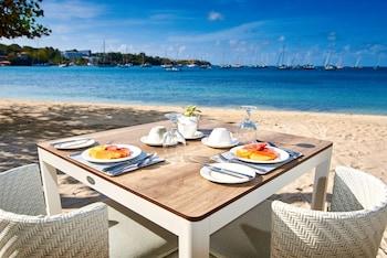 Lance aux Épines Beach, St. George's, Grenada.