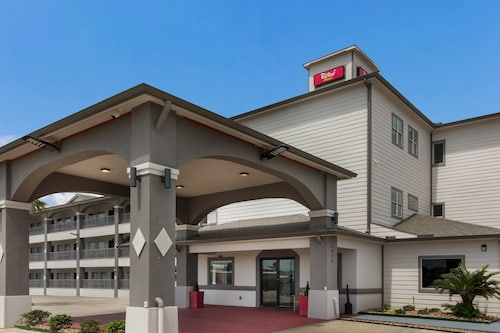 Red Roof Inn Plus+ Galveston - Beachfront