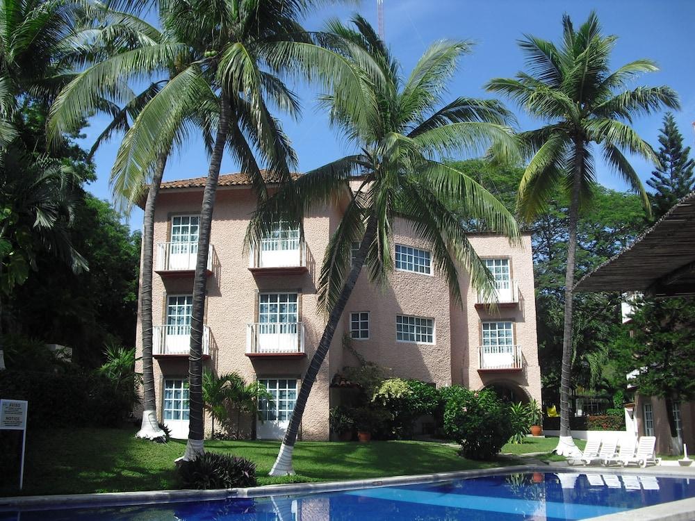 Hotel castillo huatulco in huatulco hotel rates - Hotel castillo de ayud ...