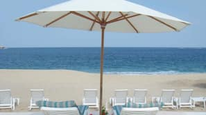 Free beach shuttle, sun-loungers, beach umbrellas, beach towels