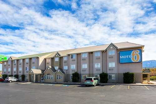 Check Expedia for Availability of Motel 6 Bernalillo