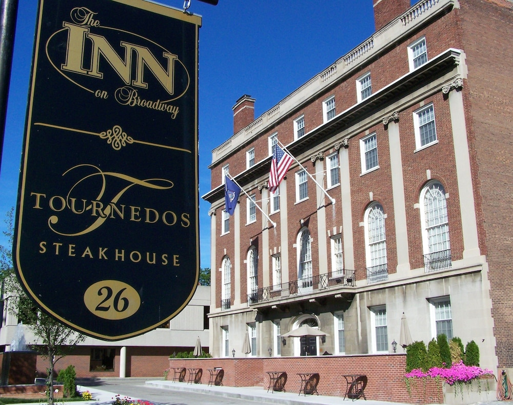 Exterior, Inn on Broadway
