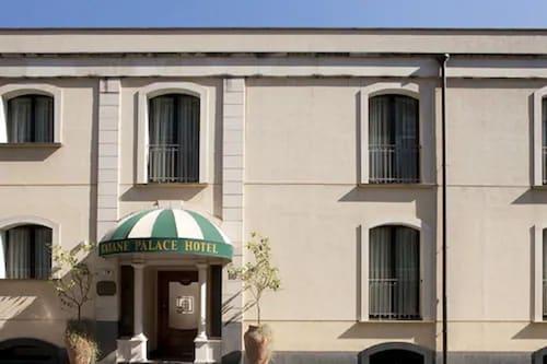 卡塔奈宫酒店