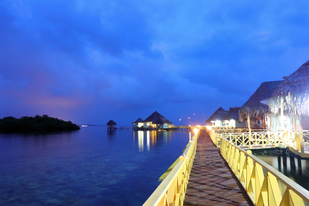 Front of Property - Evening/Night, Punta Caracol Acqua Lodge
