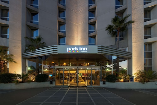 Park Inn by Radisson Nice Airport Hotel