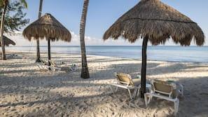 Ubicación a pie de playa, submarinismo, windsurf y kayak