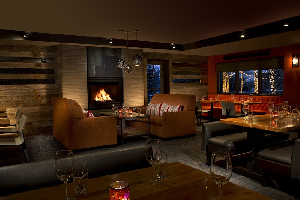 Restaurant, Teton Mountain Lodge and Spa - A Noble House Resort