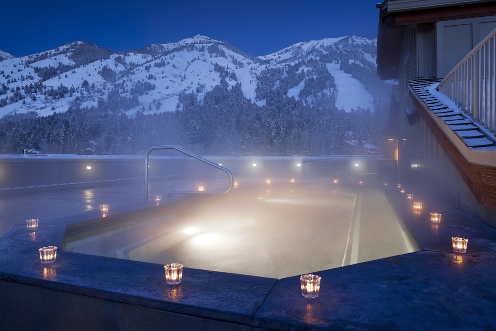Outdoor Spa Tub, Teton Mountain Lodge and Spa - A Noble House Resort