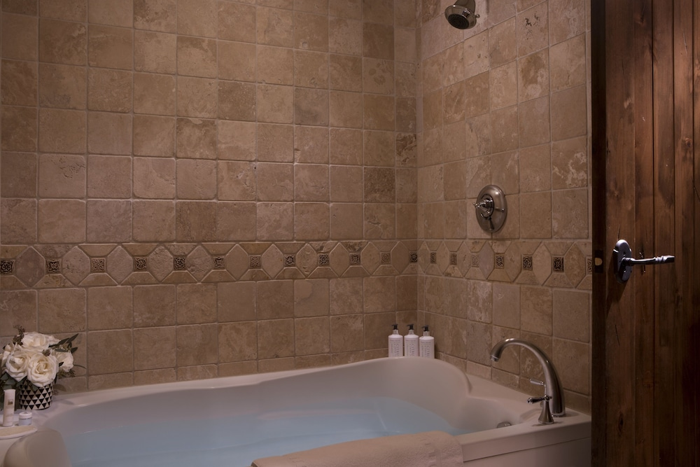 Bathroom, Teton Mountain Lodge and Spa - A Noble House Resort