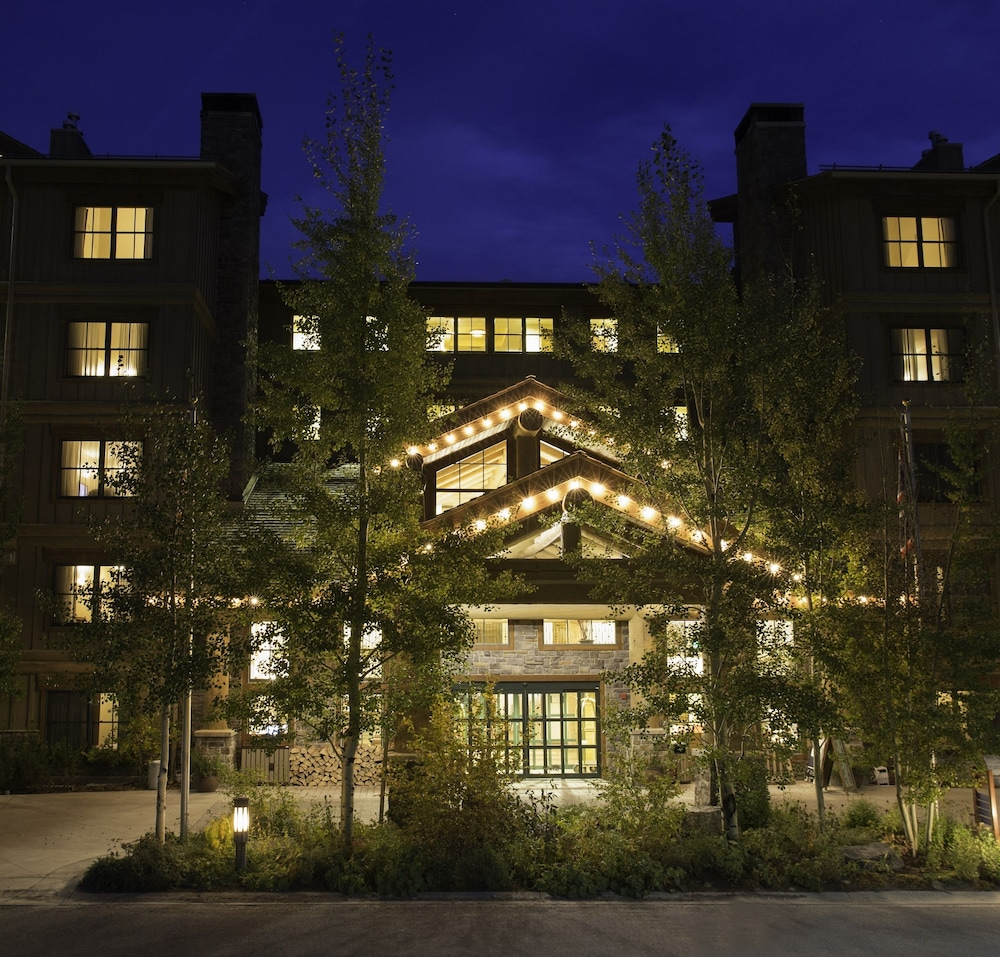 Front of Property - Evening/Night, Teton Mountain Lodge and Spa - A Noble House Resort
