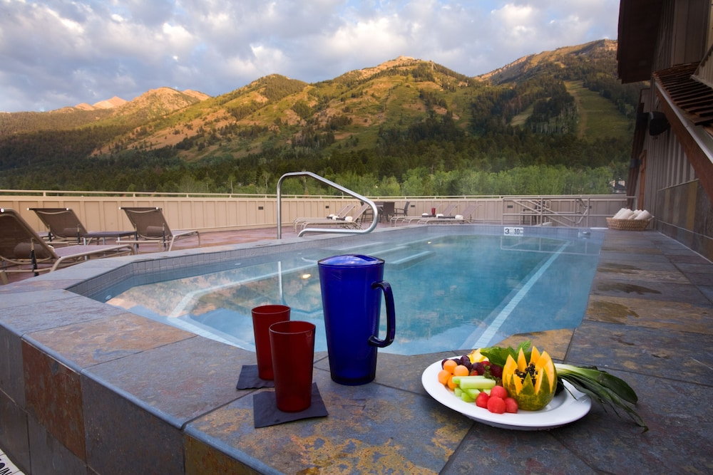Rooftop terrace, Teton Mountain Lodge and Spa - A Noble House Resort