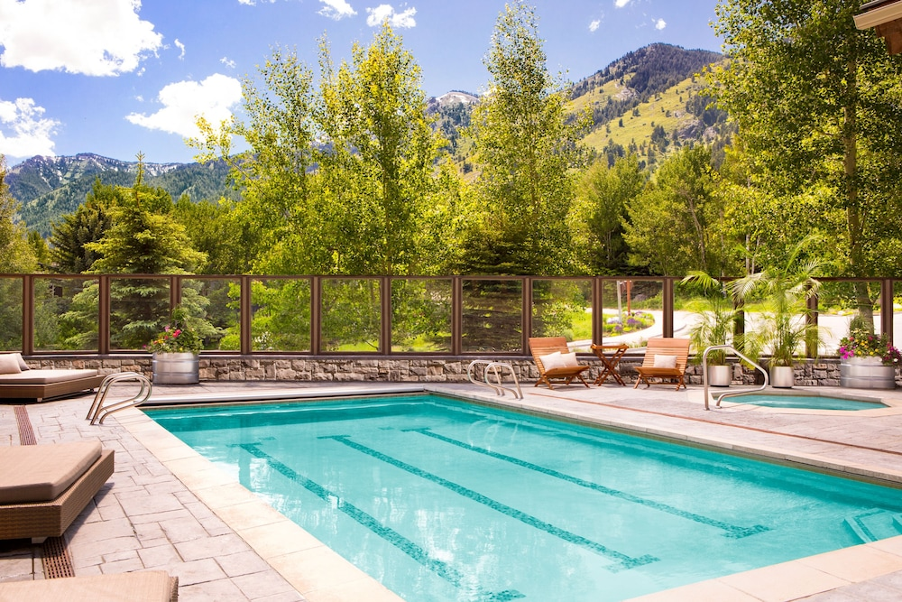 Outdoor Pool, Teton Mountain Lodge and Spa - A Noble House Resort