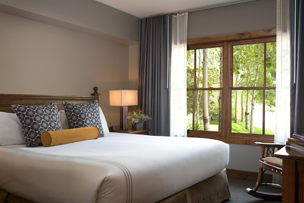 Room, Teton Mountain Lodge and Spa - A Noble House Resort