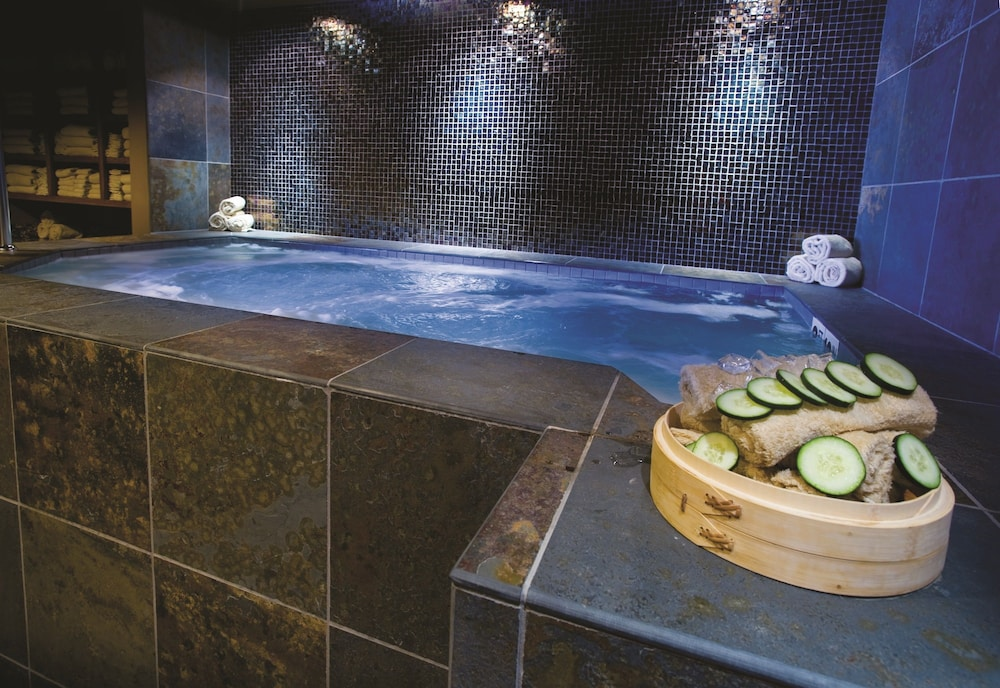 Indoor Spa Tub, Teton Mountain Lodge and Spa - A Noble House Resort