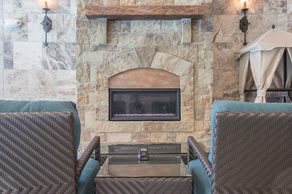 Fireplace, Elk Country Inn
