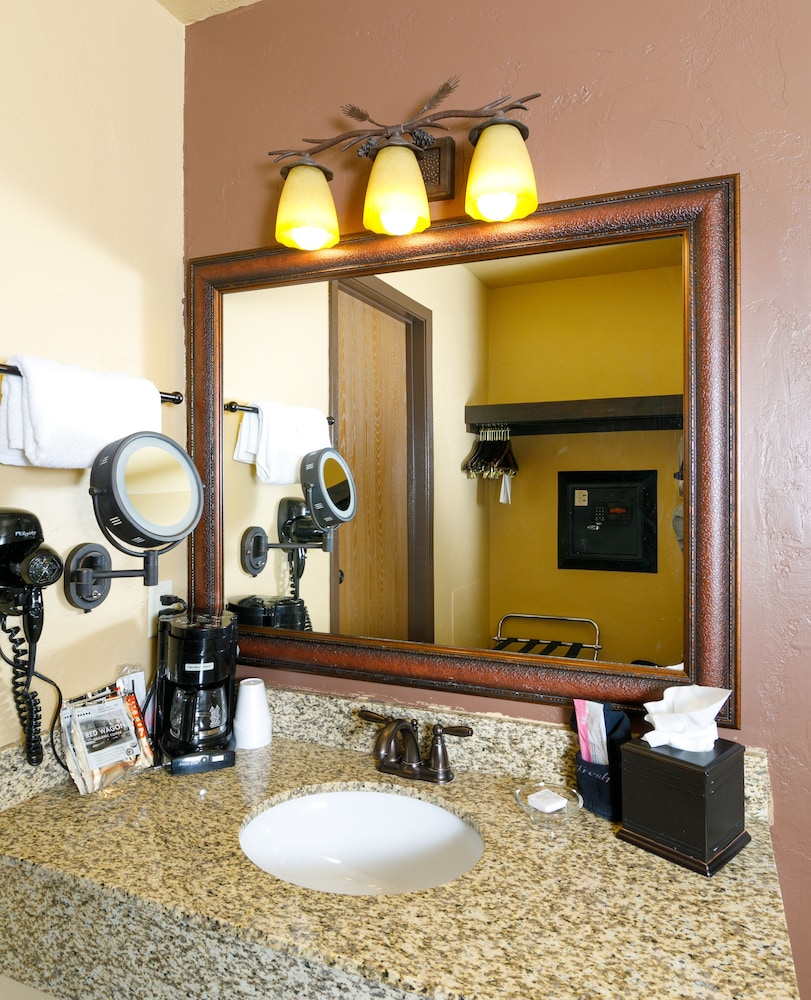 Bathroom Amenities, Elk Country Inn