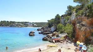 Plage privée, sable blanc, snorkeling, bar de plage