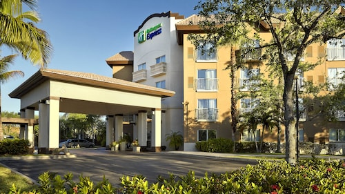 Holiday Inn Express Hotel & Suites Naples Downtown - 5th Ave