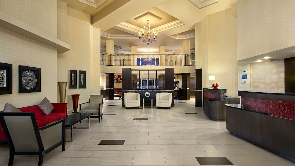 Lobby, Holiday Inn Express Hotel & Suites Naples Downtown - 5th Ave, an IHG Hotel