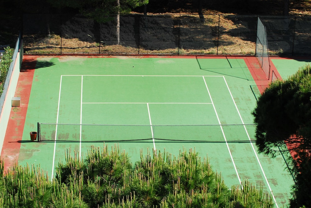 Tennis Court, Falésia Hotel - Adults Only