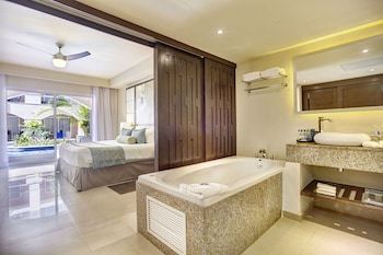 Luxury Presidential Jacuzzi One Bedroom Suite Diamond Club with Butler Service - Guestroom