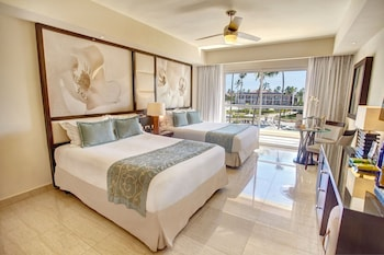 Luxury Presidential Jacuzzi Two Bedroom Suite Diamond Club with Butler Service - Guestroom
