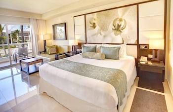 Luxury Ocean view Room Adults Only Diamond Club with Butler Service - Guestroom