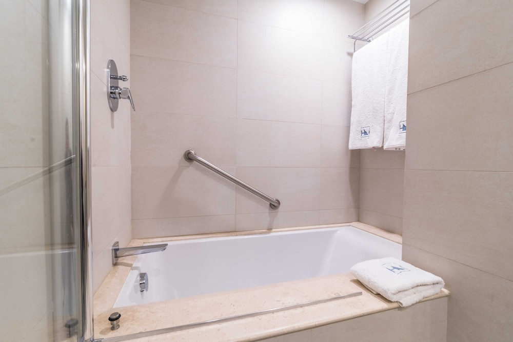 Bathroom, Eurostars Zona Rosa Suites