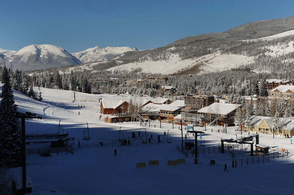 Skiing, Mountain House Neighborhood by Keystone Resort