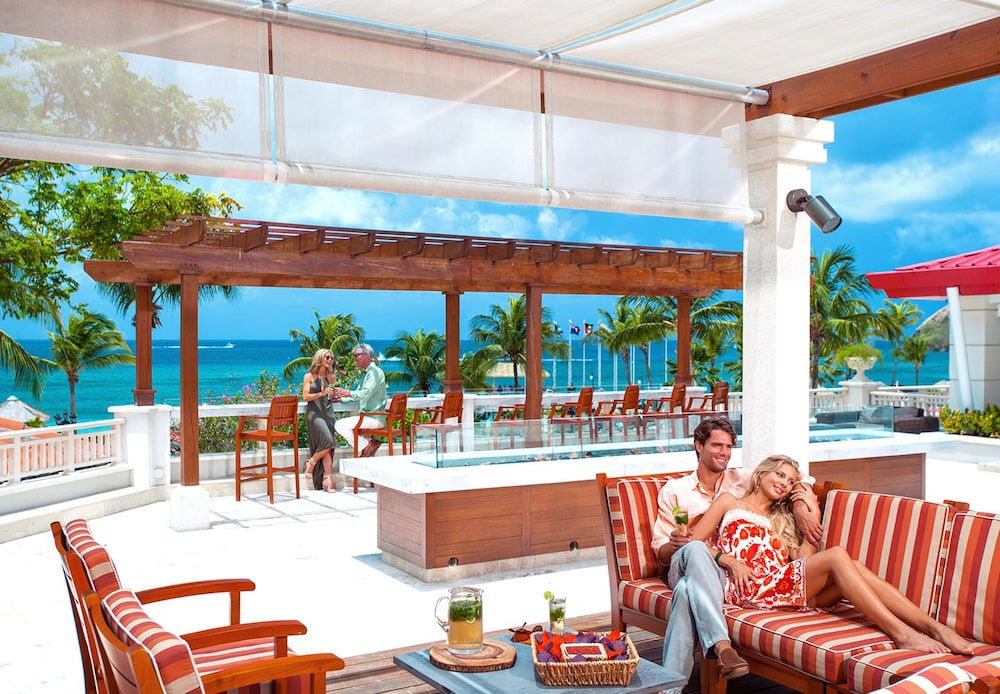Bar, Sandals Grande St. Lucian - ALL INCLUSIVE Couples Only