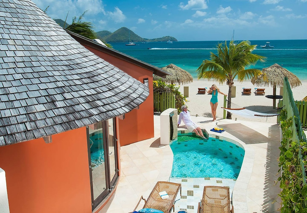 Exterior detail, Sandals Grande St. Lucian - ALL INCLUSIVE Couples Only