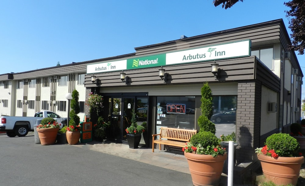 Front of Property, Arbutus Inn