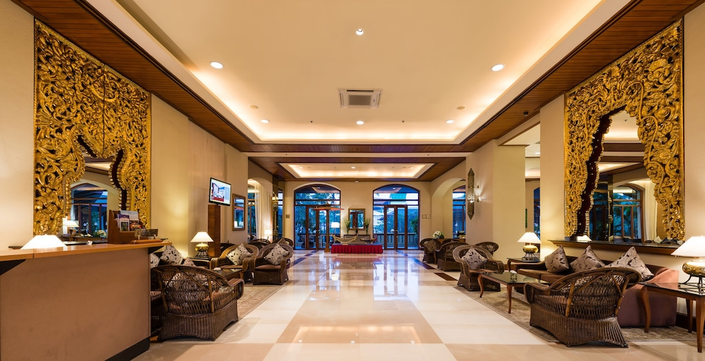 Lobby Sitting Area, Chatrium Hotel Royal Lake Yangon