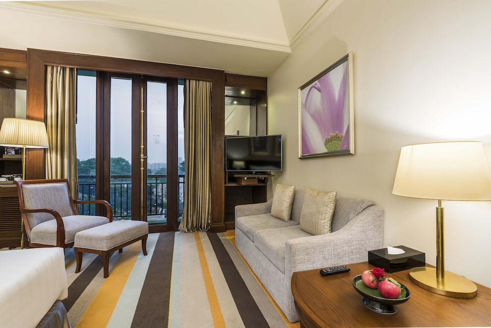 Room, Chatrium Hotel Royal Lake Yangon