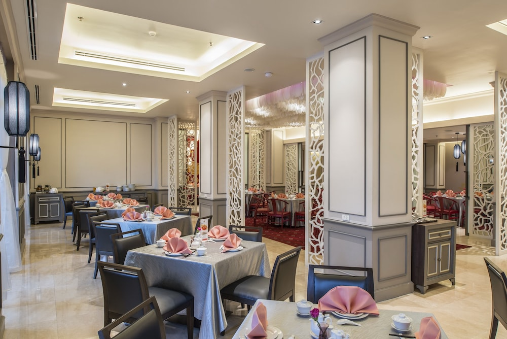 Restaurant, Chatrium Hotel Royal Lake Yangon