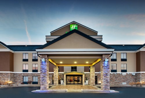Holiday Inn Express & Suites - Interstate 380 at 33rd Avenue