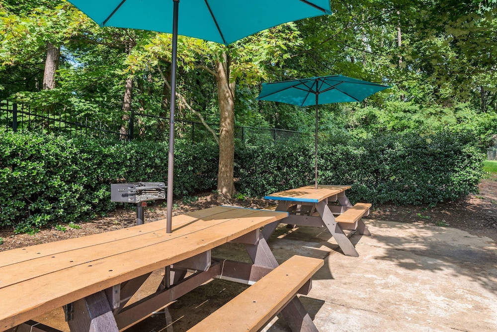 Terrace/Patio, Extended Stay America - Charlotte - Airport