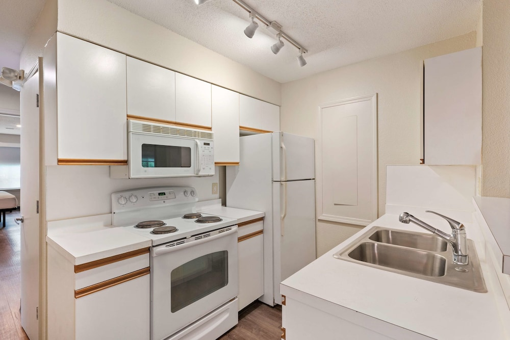 Private Kitchen, Extended Stay America - Charlotte - Airport