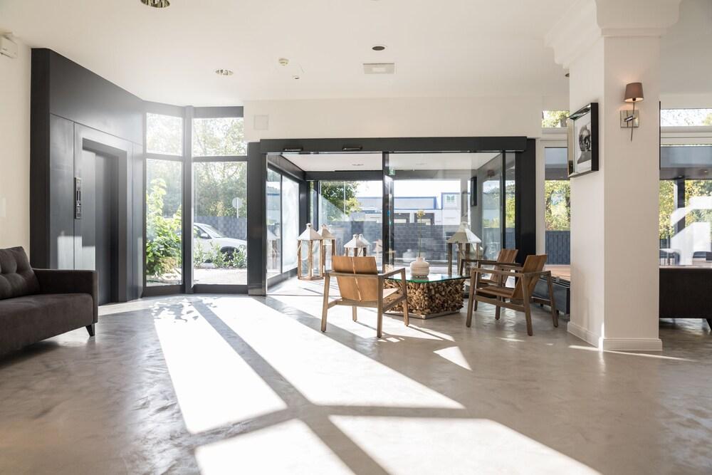 fourside plaza hotel trier trier room prices reviews travelocity. Black Bedroom Furniture Sets. Home Design Ideas