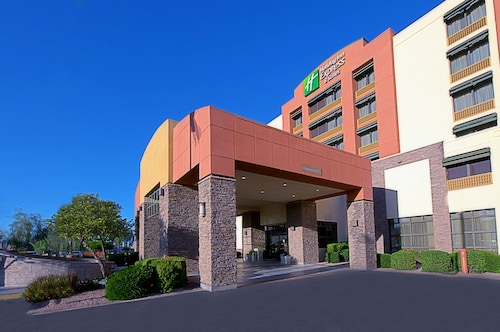 Holiday Inn Express & Suites Tempe, an IHG Hotel