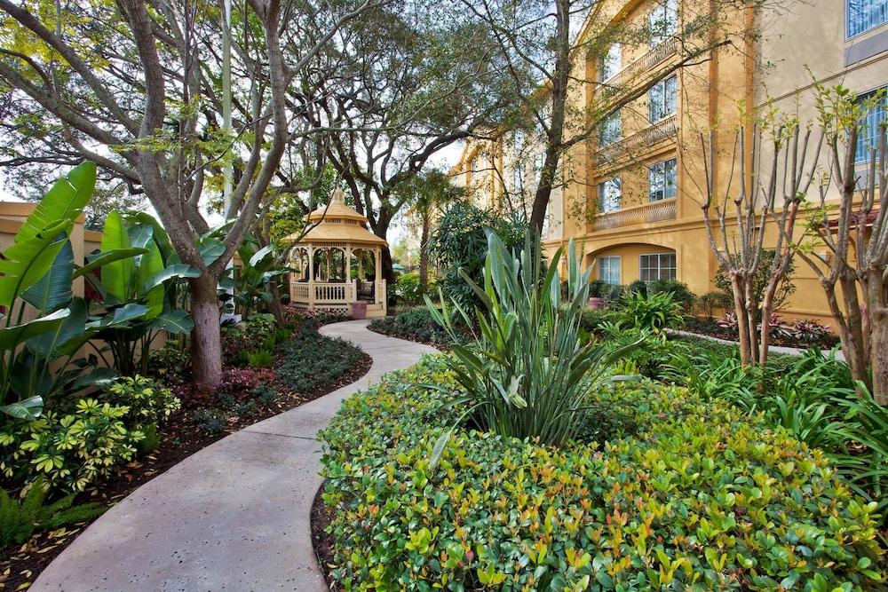 Book La Quinta Inn Suites Usf Near Busch Gardens Tampa Hotel Deals