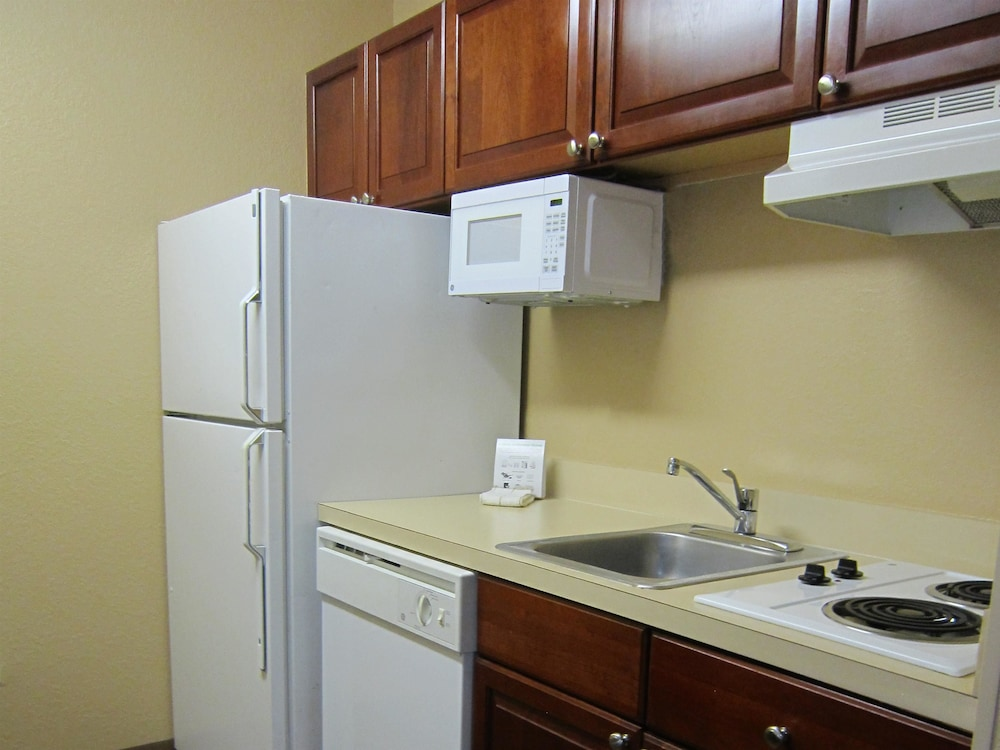 Private Kitchen, Extended Stay America Phoenix - Airport - E. Oak St.