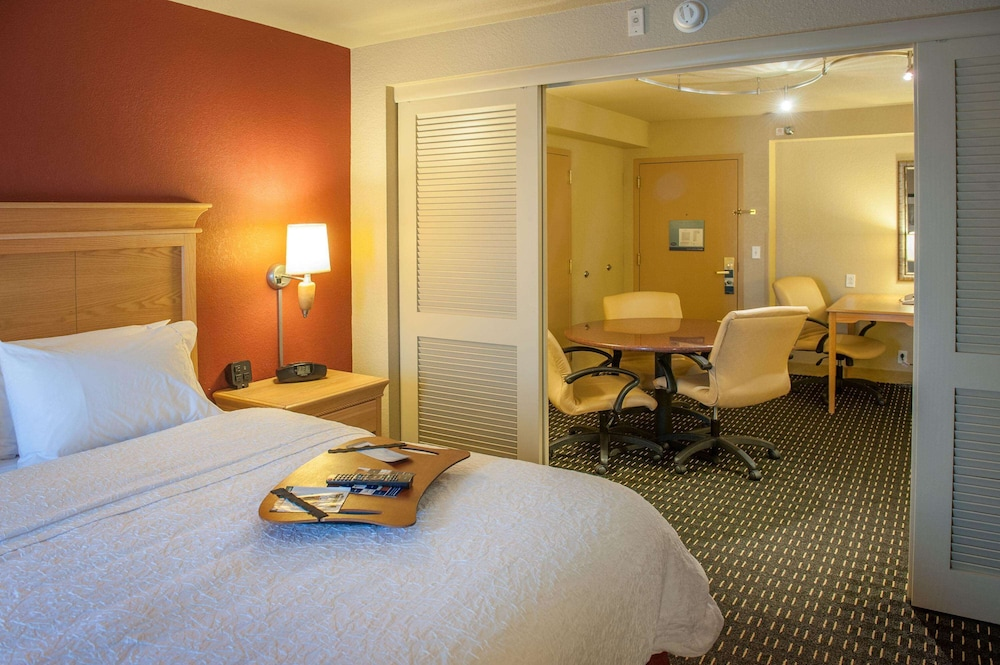 Room, Hampton Inn Pensacola Airport