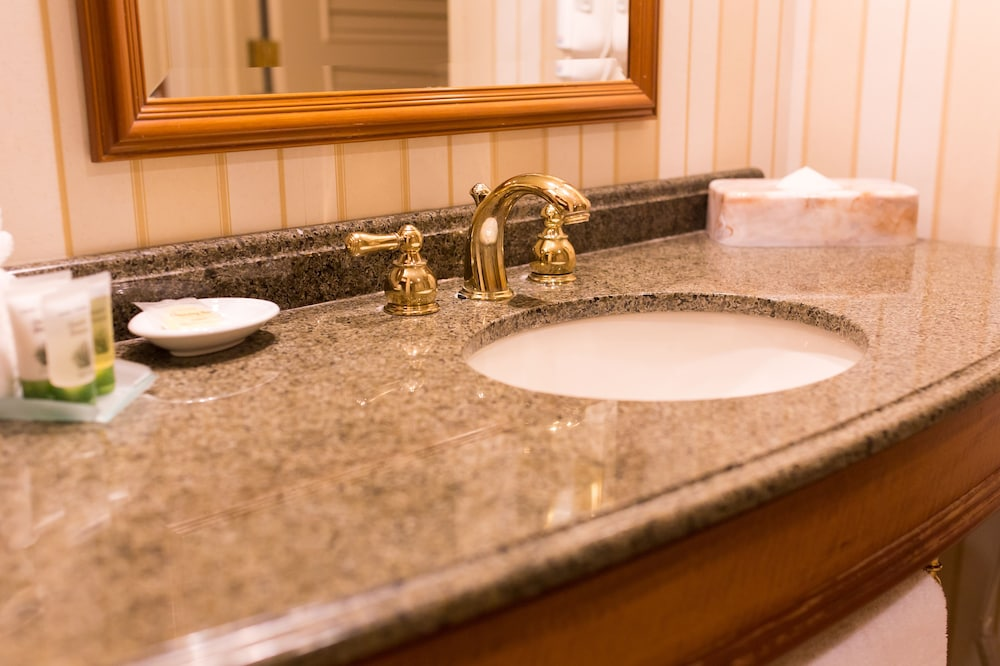 Bathroom Sink, Hollywood Casino & Hotel St. Louis