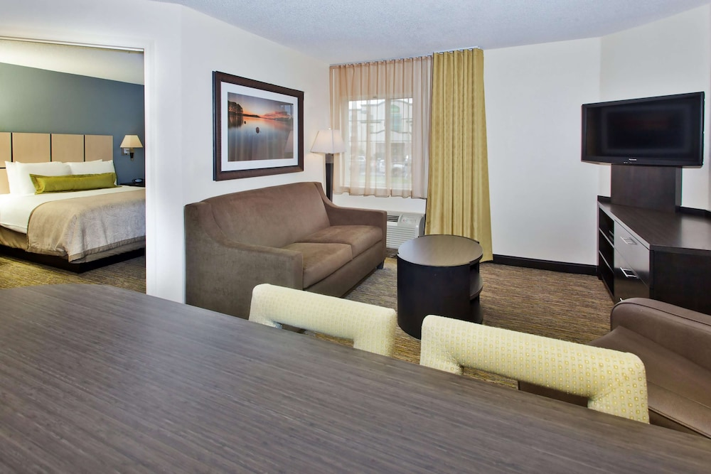 Room, Sonesta Simply Suites Knoxville