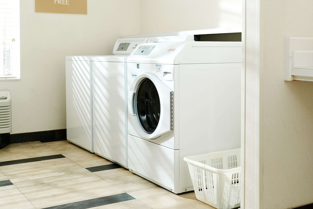Laundry Room, Sonesta Simply Suites Knoxville